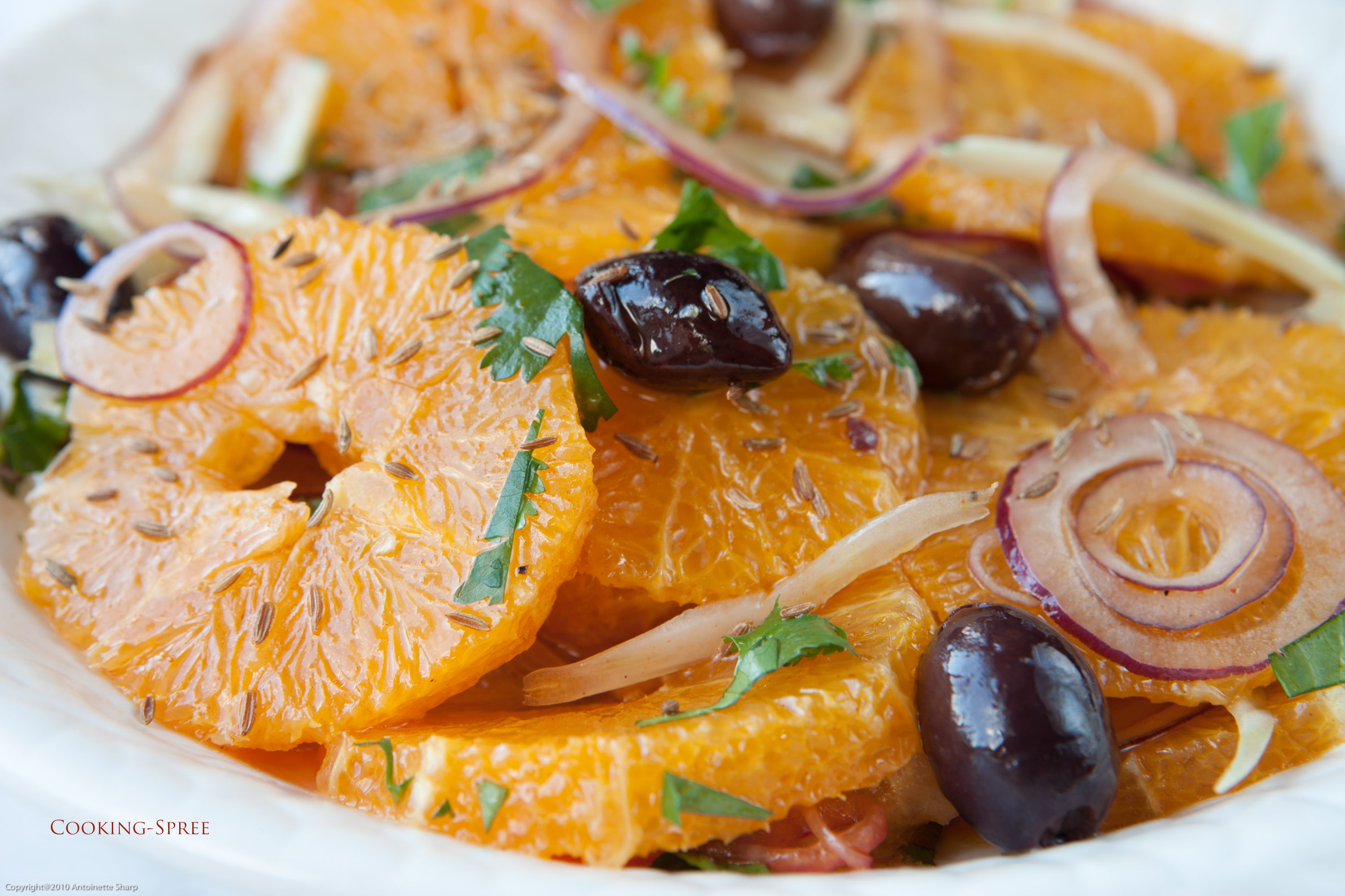 moroccan orange salad with red onions black olives